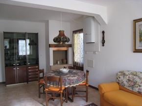 Casa emma und casa elodia ferienhaus ferienwohnung mit for Wohnzimmer italienischer stil