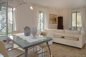 einzeln stehende villa linda in bardolino ferienhaus mit 3 schlafzimmern und 2 b der nahe. Black Bedroom Furniture Sets. Home Design Ideas