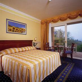 boffenigo boutique hotel spa und wellness smal and beautiful hotel garda costermano. Black Bedroom Furniture Sets. Home Design Ideas