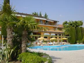 quothotel garden in ruhiger lage in ortsnahe von garda mit With katzennetz balkon mit hotel garden in garda